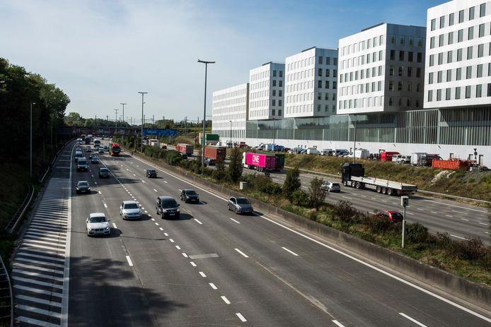 De Antwerpse ring in Berchem. Ringland wil een zo maximaal mogelijke overkapping van de Ring tussen de Kennedytunnel en Borgerhout.