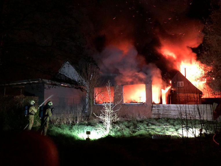 De brand legde het hele gebouw in de as.