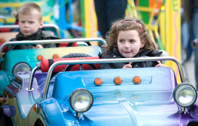 Deventer staat kinderattracties en eetkramen toe de hele zomer op zeven locaties.