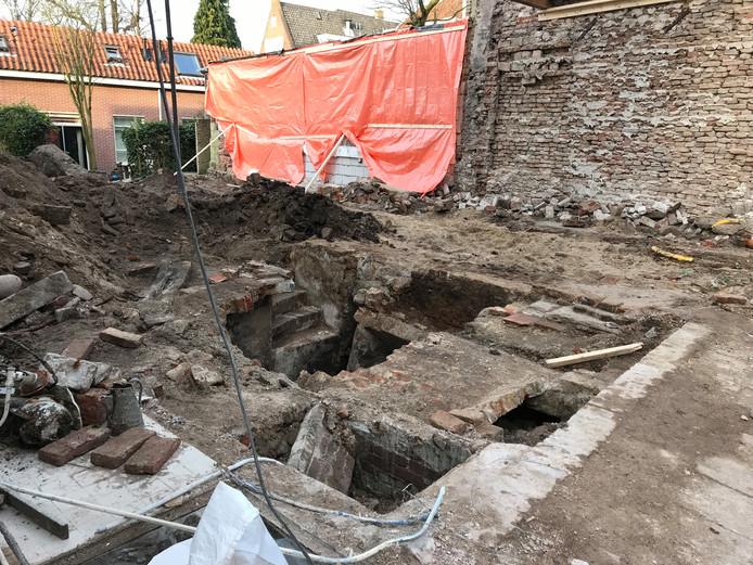 In de Waterstraat in Utrecht is een middeleeuwse kelder gevonden.