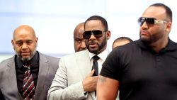 """""""R. Kelly zamelt geld in om advocaat Michael Jackson te kunnen betalen"""""""