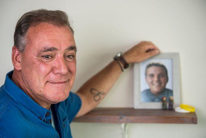 Rotterdam - Jan Slok, vader van MH17-slachtoffer Gary (16).