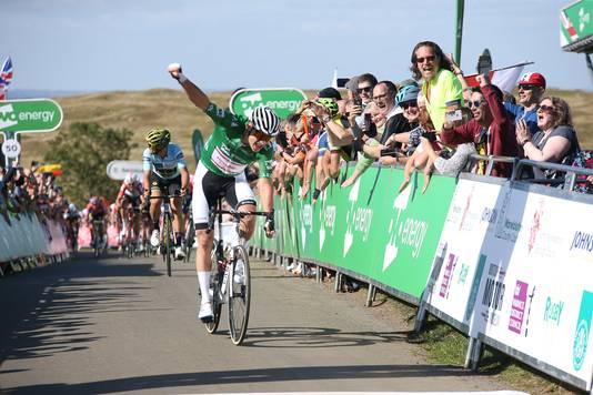 Van der Poel heerst in de Tour of Britain: drie ritzeges én het eindklassement.