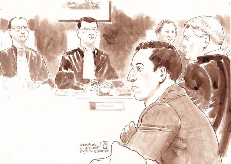Mark de J. en zijn advocaat Mr. Pieter Hoogendam tijdens een eerdere zitting. Beeld null
