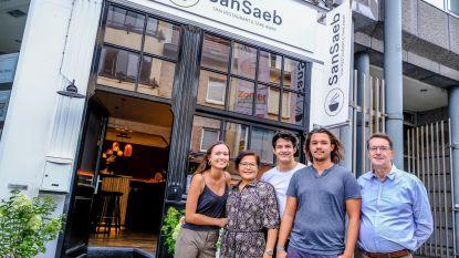 """Opmars van toeristen versterkt Leiestraat: """"Ons mama maakt met Thais restaurant droom waar"""""""