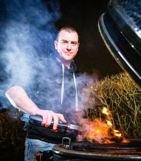 Johan ging fanatiek barbecueën om de dood van zijn vader te verwerken: 'Toen was het hek van de dam'
