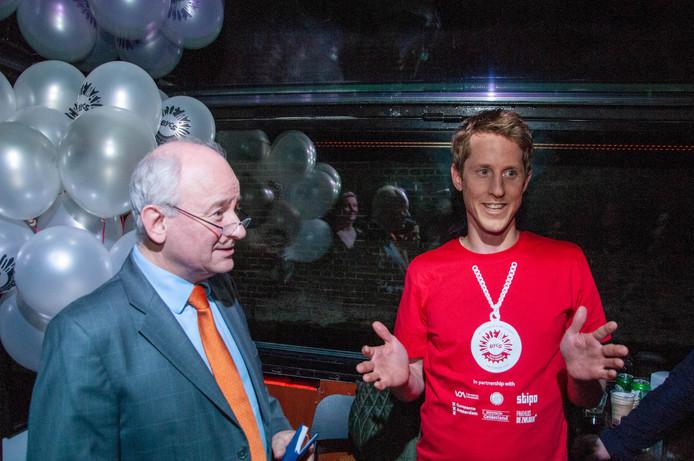 Marcel Kleizen de fietsburgemeester van Den Haag (rechts).