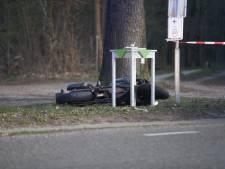 Motorrijder gaat onderuit in bocht in Sterksel, ernstig gewond naar ziekenhuis gebracht