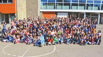 Leerlingen van 'De Kleine Wereld' op openluchtklassen in Bomal