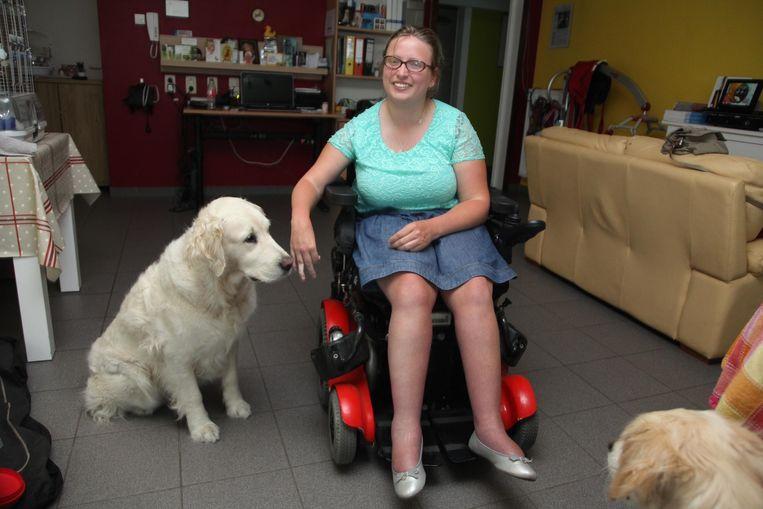 Mireille met haar assistentiehond.