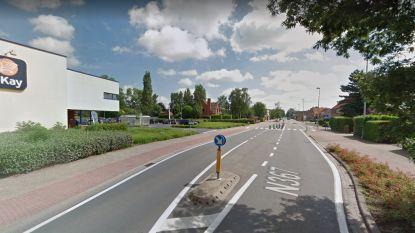 Meisje (10) steekt Brugsebaan over met fiets en wordt opgeschept