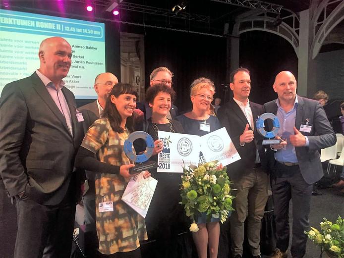 Trotse gezichten tijdens de prijsuitreiking van de Circular Economy Award.