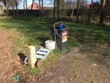 Picknickplaats Scheldeweg Hoogerheide op slot na misbruik en afvaldumping