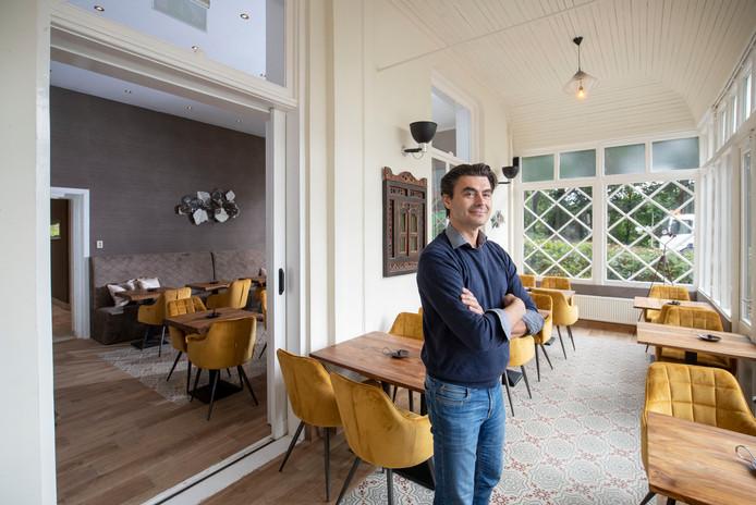 Sasja Masovic heeft na 40 jaar weer een restaurant in Hotel Grebbeoord gevestigd.