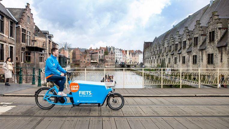 Door de lage-emissiezones in onder meer Gent en Antwerpen wordt pakketjes laten leveren in de stad steeds ingewikkelder en moeilijker.