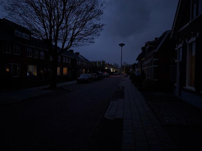 Geen verlichting in de Fabrieksstraat in Nijverdal.