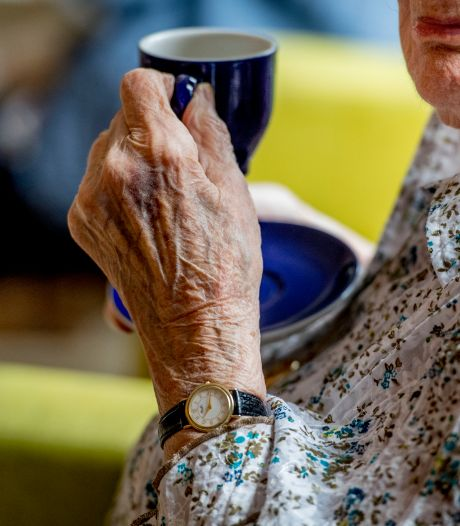Politie beukt verkeerde deur in bij melding in Oirschot: 'Wij hebben bij haar een kopje koffie gedronken'