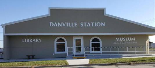 De bibliotheek in het gehucht Danville, die ook dienst doet als museum