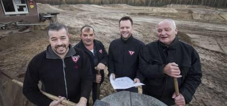 Motor Club Nijverdal Hellendoorn geeft De Koetree een facelift: iedereen helpt mee