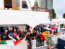 Deelnemers WK Oestersteken arriveren in Rotterdam