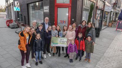"""Leerlingen halen 900 euro op met verkoop cupcakes: """"Om jongeren te steunen die het even niet zien zitten"""""""