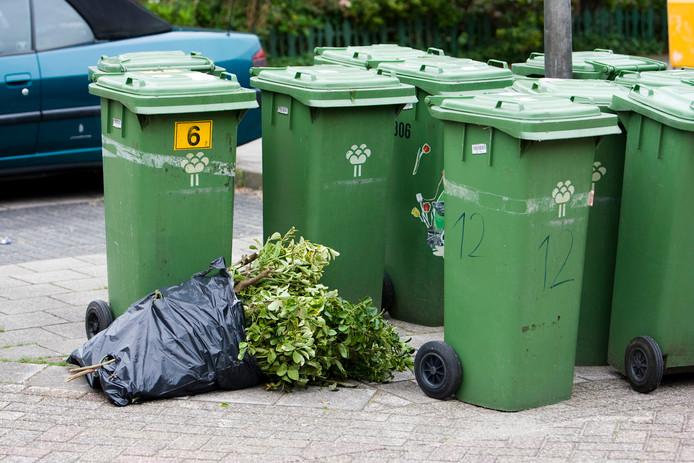Het scheiden van afval komt in Den Haag weinig voor vergeleken met andere gemeenten.