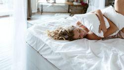 We slapen meer sinds de coronapandemie: slaapexpert Annelies Smolders legt uit waarom dat zo goed is voor je lijf