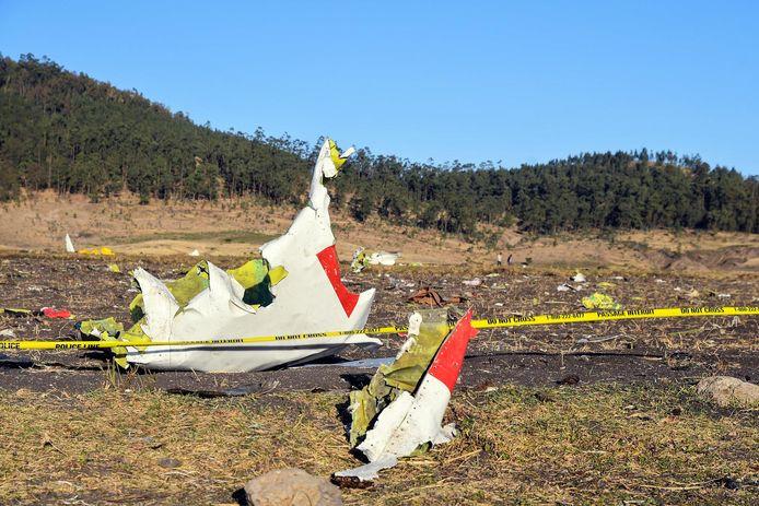 Brokstukken van de Boeing 737 MAX van Ethiopian Airlines na de crash op 10 maart.
