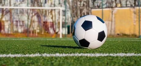 KNVB bindt strijd aan tegen zwart geld bij amateurs: 'Onze mooie sport moet schoon'