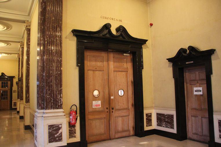 De zittingszaal op de correctionele rechtbank in Kortrijk.
