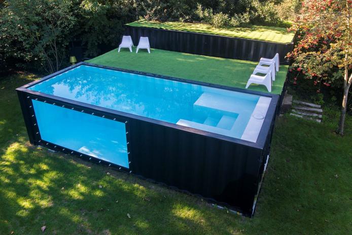 Zwembad In De Tuin.Uniek Zwembad Voor In De Tuin Een Omgebouwde Zeecontainer