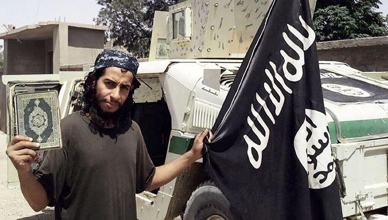 Abdelhamid Abaaoud in een foto uit de IS-glossy Dabiq Beeld afp