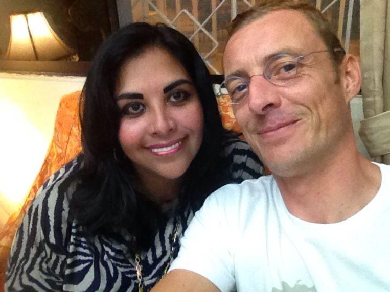 Bram Sinnaeve (40) samen met zijn weduwe Maria Villacreses Barrionuevo .