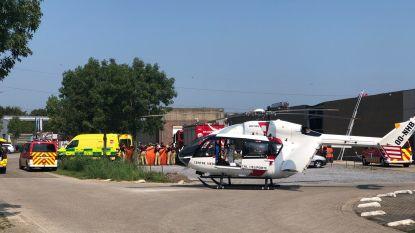 Arbeiders krijgen betonnen gevelpaneel op zich: één slachtoffer in kritieke toestand afgevoerd per helikopter