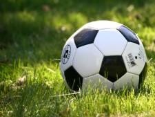KNVB start onderzoek naar incident bij Spero waarbij scheidsrechter jeugdtrainer neersloeg