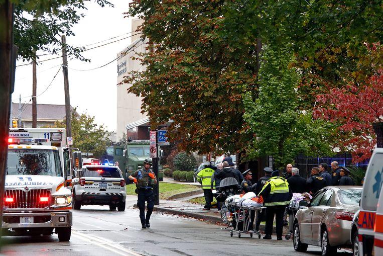 The Tree of Life Synagogue in Pittsburgh waar een schutter zaterdag het vuur opende  Beeld AP