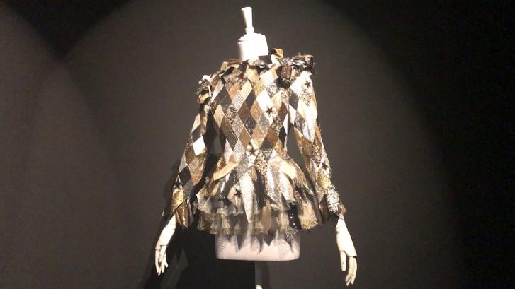 Tentoonstelling jurken Viktor&Rolf in Kunsthal