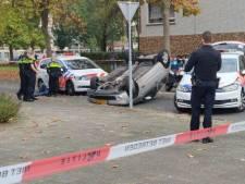 Overal sirenes en auto over de kop na wilde achtervolging in Overvecht