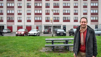 """Heibel rond verhoging zitpenningen sociale huisvestingsmaatschappij Volkswelzijn: """"Wereldvreemde zelfbediening"""", volgens de ene, """"correcte verloning"""", zegt de andere"""