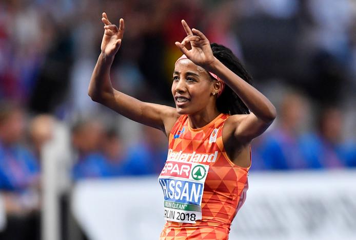 Sifan Hassan snelt met overmacht naar de Europese titel op de 5 kilometer.