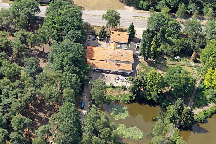 Bakelseweg 27 in 2011, toen het nog Dierenthuis was.