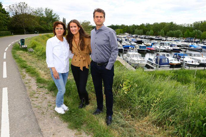 Anita en Geert uit Arkel hebben een documentaire laten maken over de dood van hun zoon Tim, in mei 2017. De jongen overleed tijdens een 'choking game'. Ook dochter Anna (midden) komt aan het woord, evenals Tims vrienden.