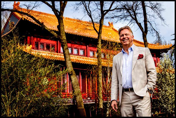 Marcel Boekhoorn voor zijn Pandasia in Ouwehands Dierenpark.