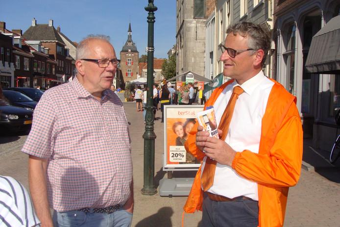 Arie Keppel (SGP) tijdens de kick-off in Vianen van de verkiezingen voor de gemeenteraad op 21 november.