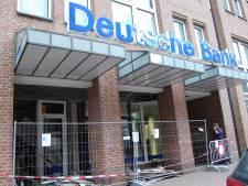 Daders vluchten in Audi A6 naar Nederland na plofkraak in Kleef