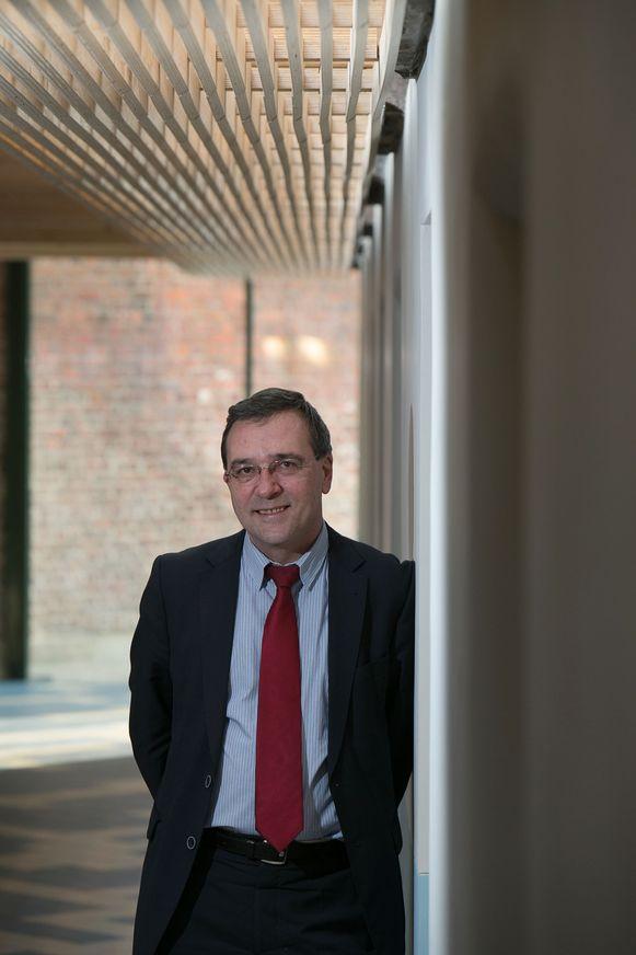 Rector Luc De Schepper waarschuwt dat de provincie een investering van 200 miljoen dreigt mis te lopen.