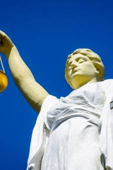 Goudse kroegbaas ondanks mishandeling van klant vrijgesproken: 'Iedereen moest oprotten'