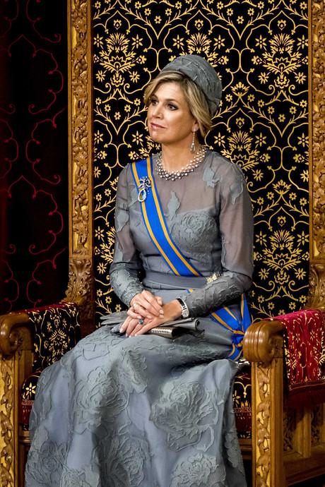Grijs? Echt? Modefans in dubio over kleur van Máxima's jurk