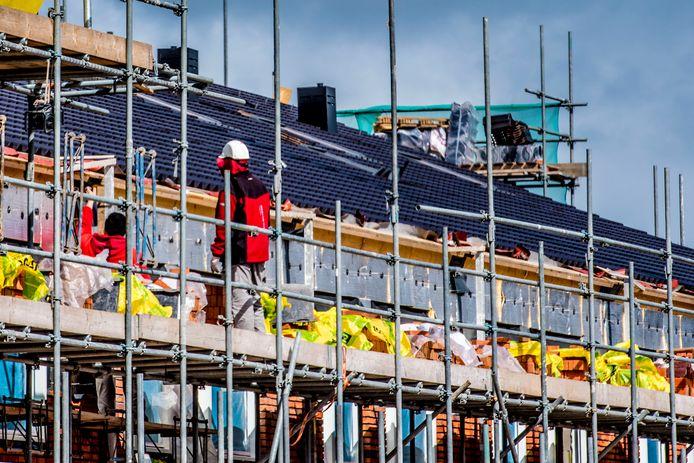 Door de snelle bevolkingsgroei wordt de druk op de woningmarkt in Den Haag alleen maar groter. ,,Dus je zult eigenlijk nog meer moeten bouwen.''