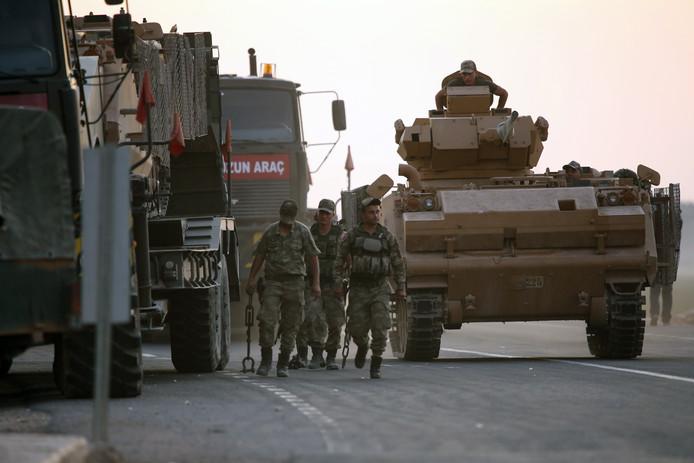 La Turquie a lancé son opération militaire terrestre contre les forces kurdes du nord-est de la Syrie, alliées des Occidentaux dans la lutte antijihadistes